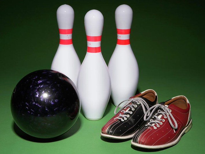 Only $25 for 1 Hour of Bowling for up to 6 People Including Shoes and a Pitcher of Soft Drinks! ($59 Value)